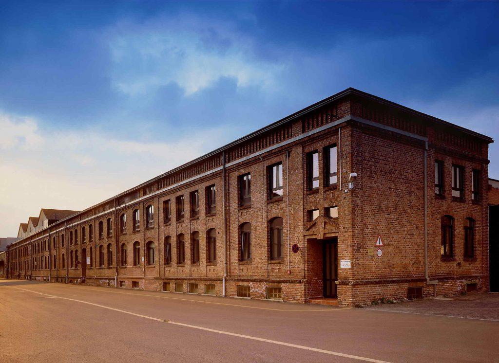 Das Firmengebäude der Druckerei Vogt Foliendruck bei Tag